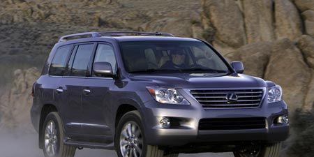 Tire, Wheel, Motor vehicle, Automotive tire, Vehicle, Product, Automotive design, Automotive mirror, Land vehicle, Transport,