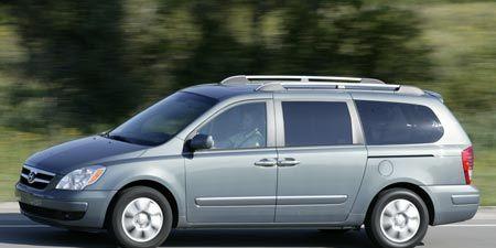 Tire, Wheel, Vehicle, Land vehicle, Automotive tire, Car, Automotive mirror, Technology, Rim, Fender,