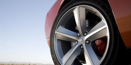 Tire, Wheel, Automotive tire, Automotive design, Alloy wheel, Automotive wheel system, Rim, Spoke, Transport, Automotive exterior,