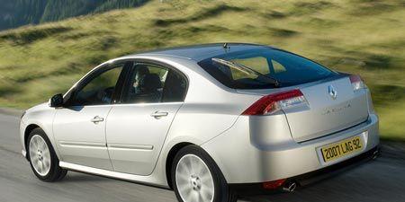 Tire, Motor vehicle, Wheel, Mode of transport, Automotive design, Automotive tire, Vehicle, Window, Transport, Alloy wheel,