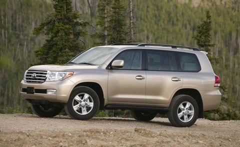 Tire, Wheel, Automotive tire, Vehicle, Land vehicle, Automotive mirror, Rim, Automotive lighting, Car, Glass,