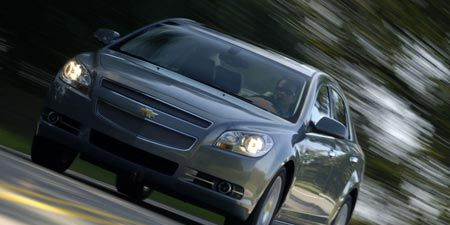 Tire, Wheel, Automotive mirror, Automotive design, Vehicle, Land vehicle, Headlamp, Hood, Automotive lighting, Automotive parking light,