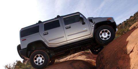 Tire, Motor vehicle, Wheel, Automotive tire, Automotive design, Automotive exterior, Natural environment, Vehicle, Automotive wheel system, Land vehicle,