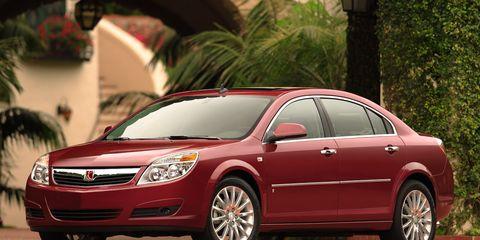 Tire, Wheel, Automotive mirror, Vehicle, Automotive design, Glass, Car, Landscape, Rim, Automotive lighting,
