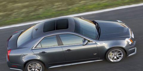 Tire, Wheel, Motor vehicle, Mode of transport, Automotive tire, Vehicle, Automotive design, Alloy wheel, Road, Rim,