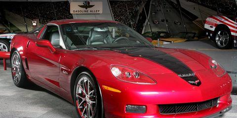 Tire, Wheel, Motor vehicle, Automotive design, Vehicle, Land vehicle, Rim, Automotive tire, Performance car, Car,