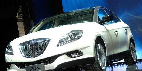 Motor vehicle, Mode of transport, Automotive design, Vehicle, Automotive mirror, Transport, Land vehicle, Automotive lighting, Headlamp, Glass,