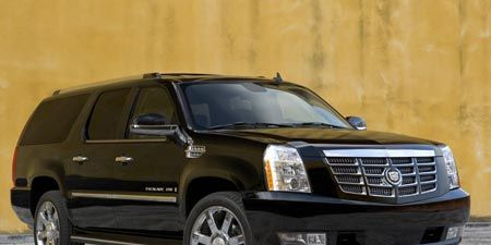 Tire, Motor vehicle, Wheel, Automotive mirror, Automotive tire, Mode of transport, Vehicle, Product, Transport, Glass,