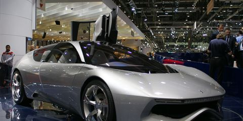 Automotive design, Mode of transport, Vehicle, Event, Land vehicle, Car, Auto show, Personal luxury car, Sports car, Supercar,