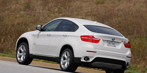 Tire, Wheel, Road, Automotive design, Vehicle, Automotive tire, Land vehicle, Infrastructure, Alloy wheel, Vehicle registration plate,