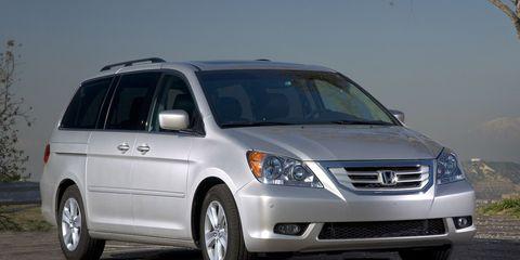 Motor vehicle, Tire, Automotive mirror, Wheel, Mode of transport, Transport, Automotive design, Vehicle, Land vehicle, Glass,