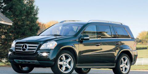 Tire, Wheel, Vehicle, Automotive design, Automotive tire, Rim, Car, Spoke, Grille, Fender,