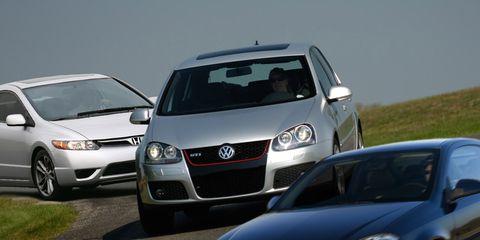 Motor vehicle, Automotive design, Vehicle, Daytime, Land vehicle, Automotive lighting, Headlamp, Transport, Car, Automotive mirror,