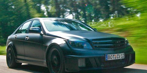 Tire, Wheel, Automotive design, Vehicle, Land vehicle, Automotive lighting, Automotive tire, Headlamp, Car, Hood,