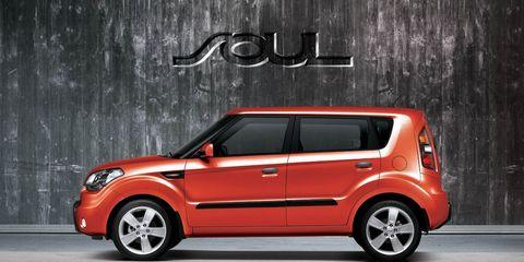 Automotive design, Vehicle, Vehicle door, Car, Alloy wheel, Bumper, Spoke, Automotive mirror, Hatchback, City car,