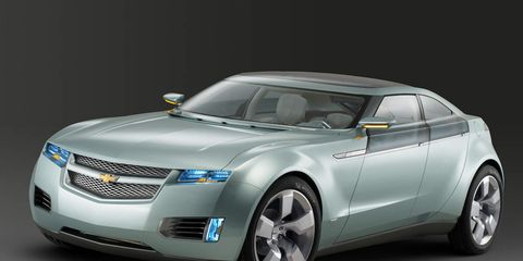 Tire, Wheel, Motor vehicle, Mode of transport, Automotive design, Transport, Product, Vehicle, Automotive mirror, Grille,