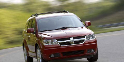 Tire, Wheel, Automotive mirror, Road, Daytime, Vehicle, Infrastructure, Automotive design, Transport, Automotive lighting,