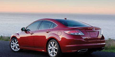 Tire, Wheel, Mode of transport, Automotive design, Vehicle, Alloy wheel, Rim, Car, Automotive tire, Automotive lighting,