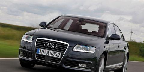 Motor vehicle, Automotive design, Vehicle, Road, Transport, Headlamp, Infrastructure, Grille, Automotive mirror, Automotive tire,
