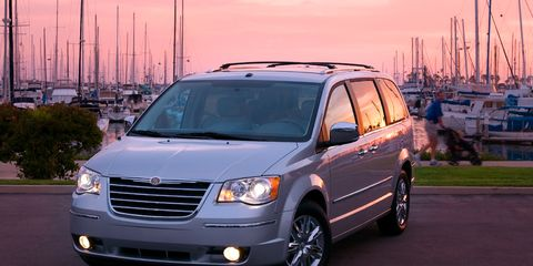 Motor vehicle, Transport, Vehicle, Automotive mirror, Automotive parking light, Grille, Car, Automotive lighting, Rim, Fender,