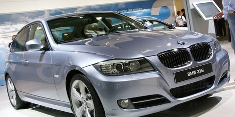 Tire, Automotive design, Mode of transport, Vehicle, Automotive tire, Automotive exterior, Car, Automotive wheel system, Rim, Grille,