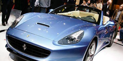 Tire, Wheel, Automotive design, Vehicle, Land vehicle, Car, Performance car, Personal luxury car, Sports car, Headlamp,