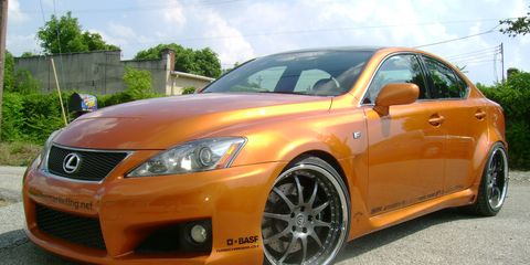 Motor vehicle, Tire, Wheel, Automotive design, Daytime, Vehicle, Yellow, Hood, Rim, Car,
