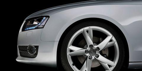 Motor vehicle, Tire, Automotive design, Automotive tire, Automotive exterior, Alloy wheel, Vehicle, Automotive lighting, Automotive wheel system, Rim,