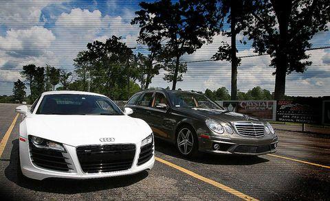 Automotive design, Vehicle, Hood, Land vehicle, Grille, Headlamp, Car, Automotive lighting, Personal luxury car, Rim,