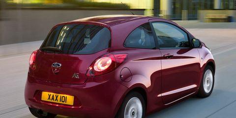 Tire, Motor vehicle, Wheel, Automotive mirror, Mode of transport, Automotive design, Vehicle, Vehicle door, Transport, Car,