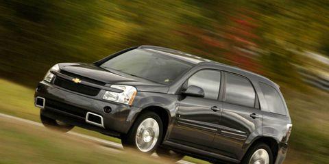 Tire, Wheel, Motor vehicle, Automotive tire, Automotive design, Automotive mirror, Vehicle, Land vehicle, Infrastructure, Transport,