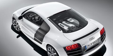 Automotive design, Vehicle, Automotive tail & brake light, Automotive lighting, Automotive exterior, Car, Vehicle registration plate, Fender, Bumper, Alloy wheel,