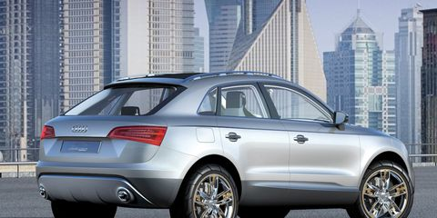 Tire, Wheel, Automotive design, Mode of transport, Automotive tire, Vehicle, Tower block, Alloy wheel, Rim, Spoke,