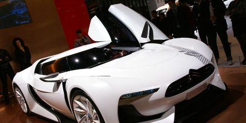 Automotive design, Mode of transport, Vehicle, Land vehicle, Event, Car, Auto show, Personal luxury car, Exhibition, Sports car,