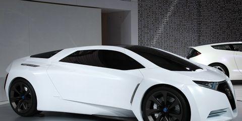 Tire, Wheel, Automotive design, Vehicle, Land vehicle, Car, White, Fender, Supercar, Rim,