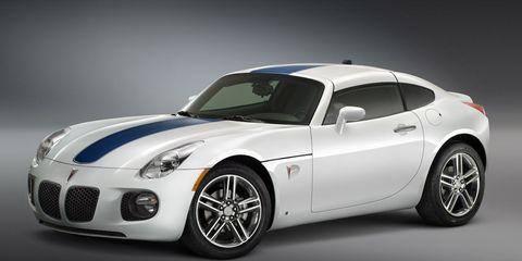 Tire, Motor vehicle, Wheel, Automotive design, Automotive tire, Automotive exterior, Automotive lighting, Rim, Headlamp, Car,