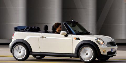 Automotive design, Vehicle, Car, Vehicle door, Fender, Convertible, Automotive tire, Automotive lighting, Windshield, Grille,