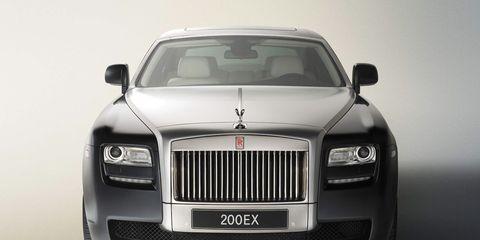Automotive design, Automotive exterior, Grille, Automotive lighting, Luxury vehicle, Hood, Personal luxury car, Rolls-royce, Headlamp, Vehicle door,