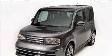 Motor vehicle, Tire, Automotive mirror, Automotive design, Mode of transport, Automotive tire, Product, Vehicle, Transport, Automotive exterior,