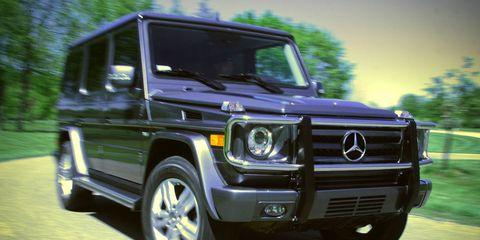 Tire, Motor vehicle, Wheel, Automotive tire, Automotive design, Vehicle, Automotive lighting, Transport, Headlamp, Land vehicle,