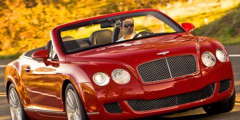 Automotive design, Vehicle, Land vehicle, Car, Bentley, Grille, Automotive mirror, Automotive lighting, Fender, Rim,