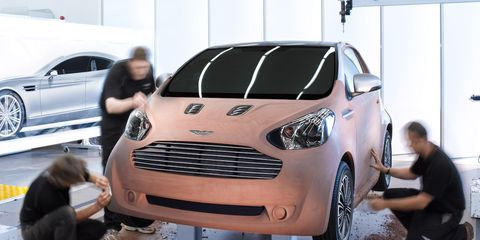 Motor vehicle, Tire, Wheel, Automotive design, Vehicle, Land vehicle, Automotive tire, Automotive wheel system, Grille, Vehicle door,
