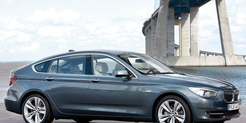 Tire, Wheel, Mode of transport, Automotive design, Vehicle, Alloy wheel, Rim, Spoke, Car, Personal luxury car,