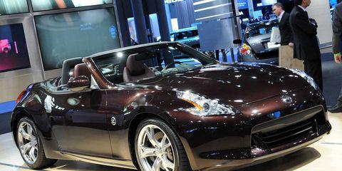 Tire, Wheel, Automotive design, Vehicle, Land vehicle, Performance car, Car, Automotive wheel system, Headlamp, Rim,