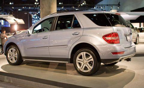 Tire, Wheel, Automotive design, Automotive tire, Vehicle, Land vehicle, Rim, Spoke, Alloy wheel, Car,
