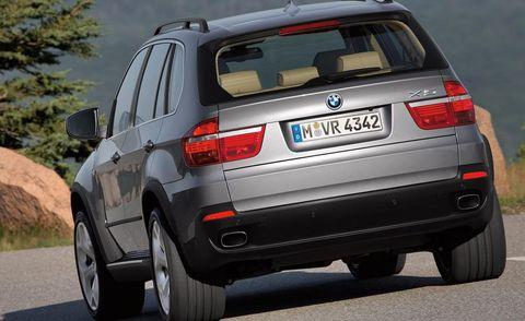 Tire, Wheel, Automotive design, Automotive tail & brake light, Mode of transport, Automotive tire, Vehicle, Automotive exterior, Vehicle registration plate, Land vehicle,