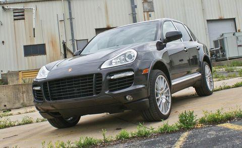 Tire, Wheel, Motor vehicle, Automotive design, Vehicle, Automotive tire, Land vehicle, Window, Rim, Automotive parking light,