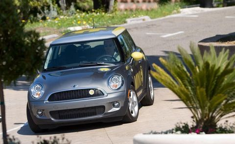 Automotive design, Vehicle, Grille, Vehicle door, Car, Hood, Mini cooper, Fender, Headlamp, Alloy wheel,