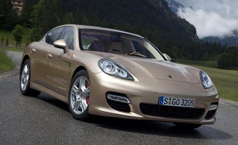 Tire, Automotive design, Vehicle, Land vehicle, Automotive lighting, Rim, Car, Headlamp, Performance car, Automotive mirror,