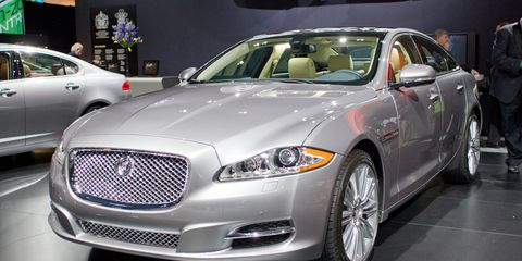Tire, Wheel, Automotive design, Vehicle, Land vehicle, Event, Car, Automotive lighting, Grille, Personal luxury car,